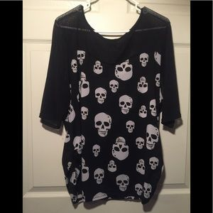 Skull lace top